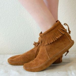 Minnetonka Moccasin Suede Fringed Boots Sz6.5